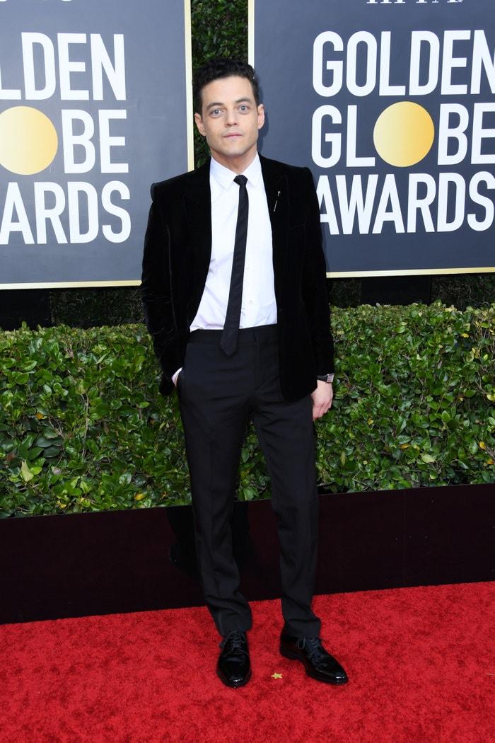 Rami Malek v obleku Saint Laurent na předávání Golden Globes, leden 2020           Autor: Getty Images
