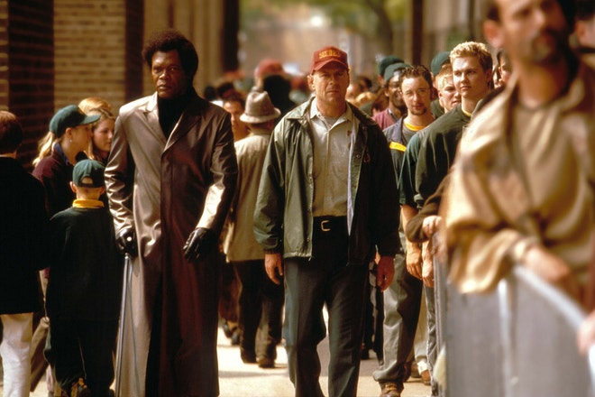 Bruce Willis a Samuel L. Jackson ve filmu Vyvolený, 2000