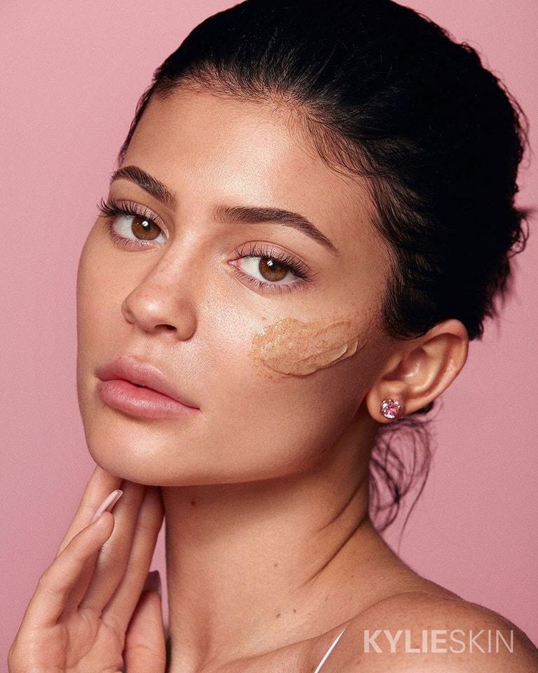 Kylie Jenner v kampani na pečující řadu Kylie Skin