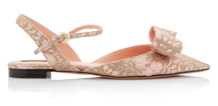 Brokátové sandálky s mašlí, Rochas, prodává Modaoperandi, 510 €