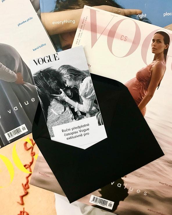 Darujte pod stromeček roční předplatné Vogue CS za speciální cenu. Vánoční voucher s topmodelkou Gigi Hadid obdržíte ihned e-mailem, kupujte na Vogue CS, 999 Kč / 39 €.  Po zadaní kódu VOGUE teď navíc můžete exkluzivně získat předplatné s bonusem 200 Kč!  Další nabídky předplatného s dárkem najdete zde.