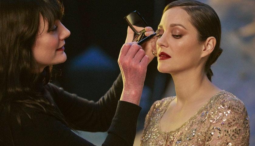 Exkluzivní pohled do zákulisí nové kampaně Chanel No. 5 s Marion Cotillard