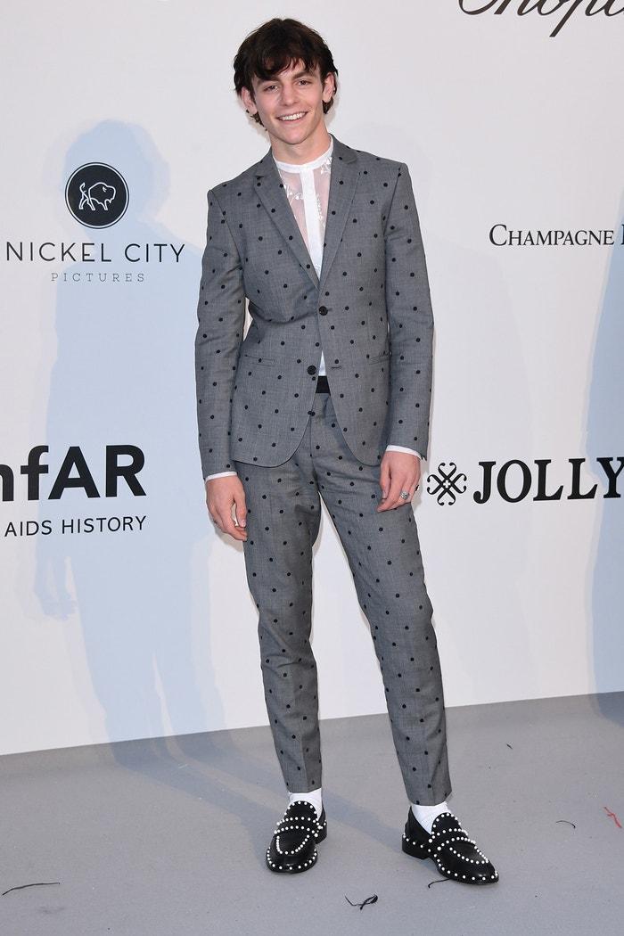 Ross Lynch v obleku z kolekce Giambattista Valli x H&M na amfAR gala v Cannes           Autor: Getty Images