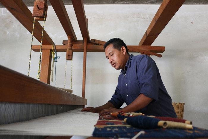 Textilní umělec ve své dílně Autor: Javier Gutierrez