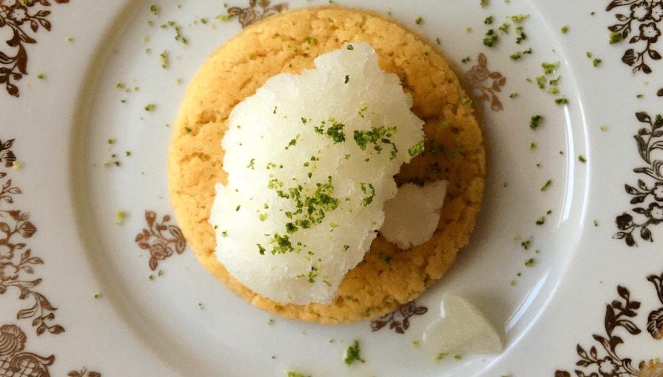 Vogue v kuchyni #8: Bretaňská sušenka s limetkovým sorbetem à la Erdem