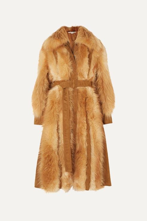 Kabát z umělé kožešiny, STELLA MCCARTNEY, prodává Net-a-porter, 1,197.50 €