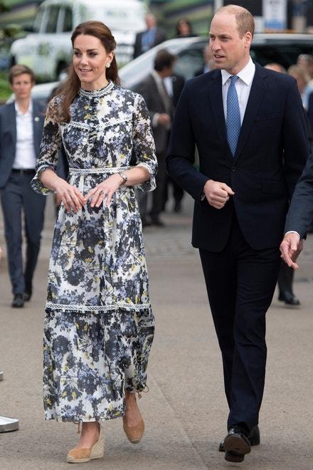 Vévodkyně z Cambridge v šatech Erdem