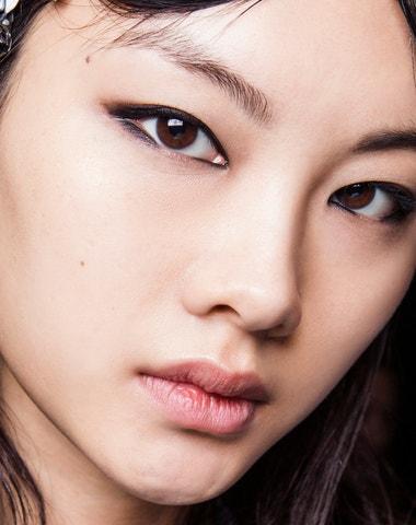 Korejky demonstrativně ničí svou kosmetiku. Proč?