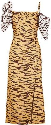 Šaty v midi dílce, Rejina Pyo, prodává Net-a-Porter, € 840 Autor: Archiv firmy