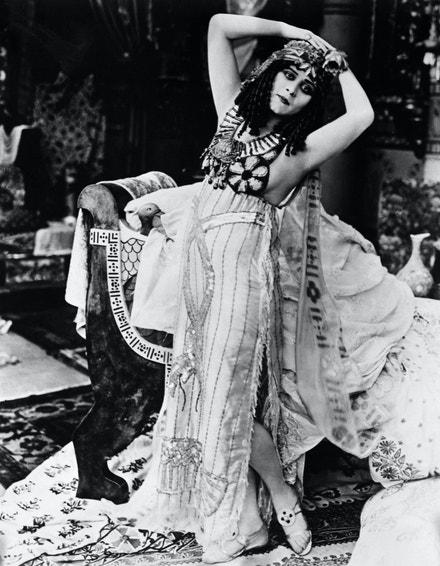 Theda Bara ve filmu Cleopatra