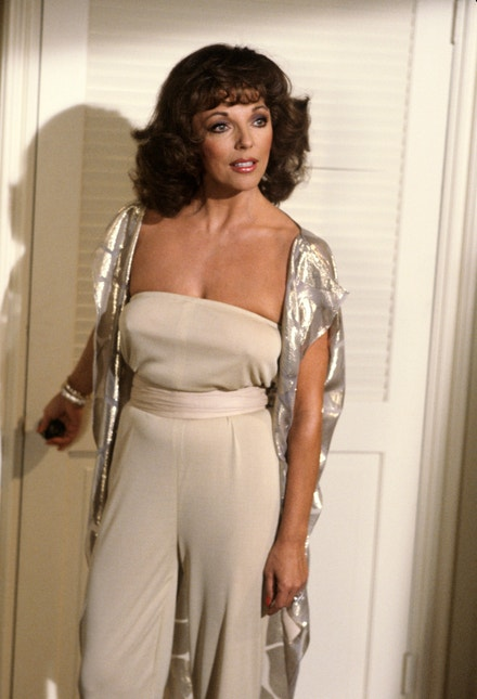 Joan Collins v seriálu Dynastie, 1982