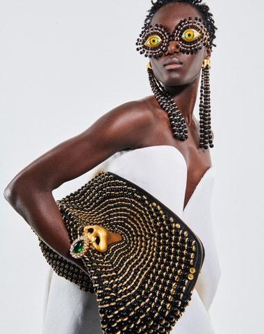 Vše, co potřebujete vědět o přehlídkách haute couture AW21