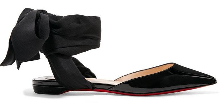 Černé kožené sandále s mašlí, Christian Louboutin, prodává Net-a-porter, 645 €