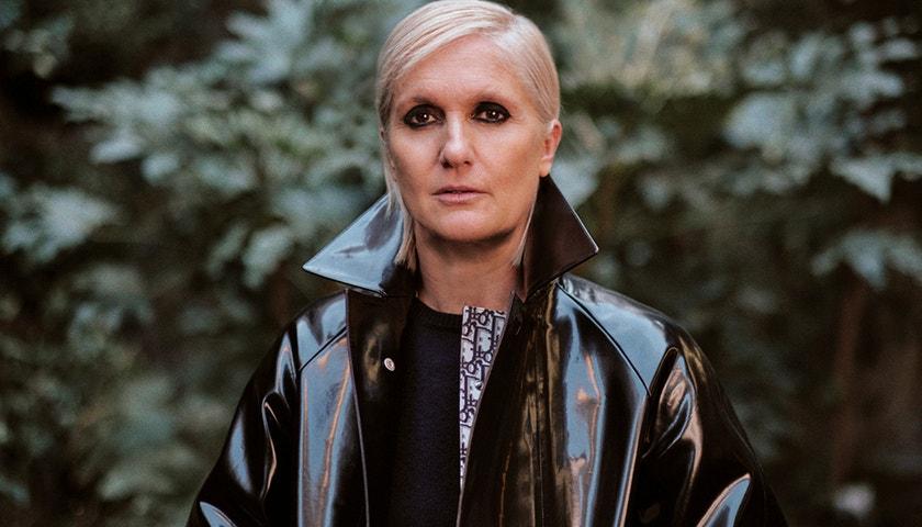 Když čtete, sníte, říká Maria Grazia Chiuri před přehlídkou Dior v Paříži