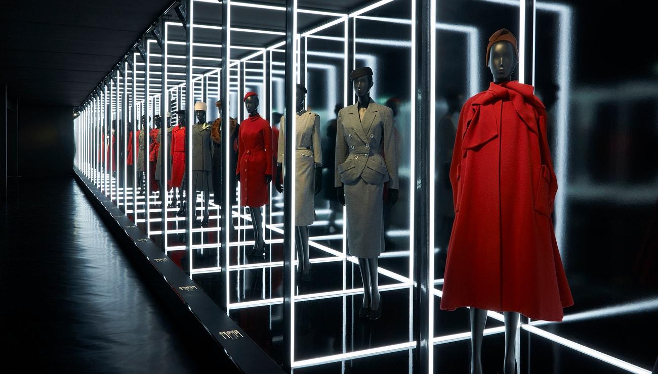 Vy jste ještě neviděli výstavu Christian Dior, návrhář snů?