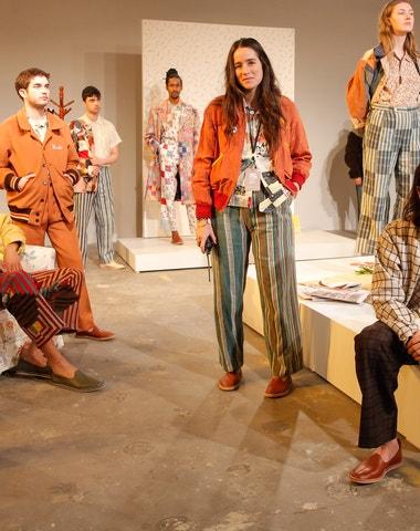 6 způsobů, jak upcyklovat oblečení podle Emily Bode