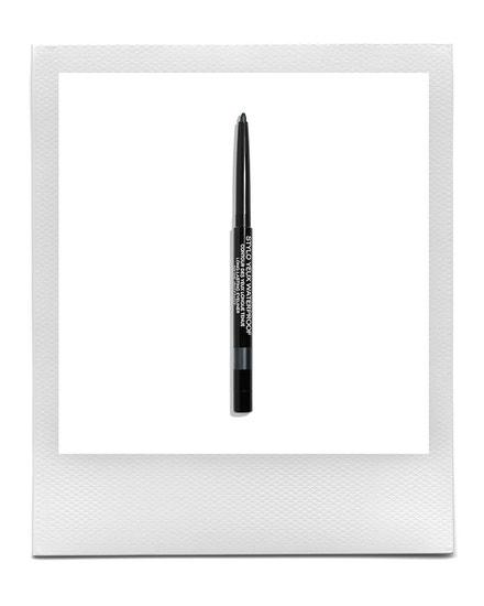 Konturovací tužka na oči Noir Intense, CHANEL, 710 Kč