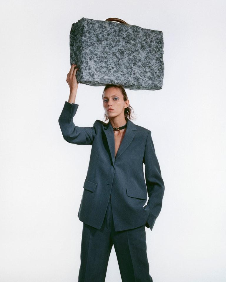 Anja Rubik pro březnovou Vogue CS