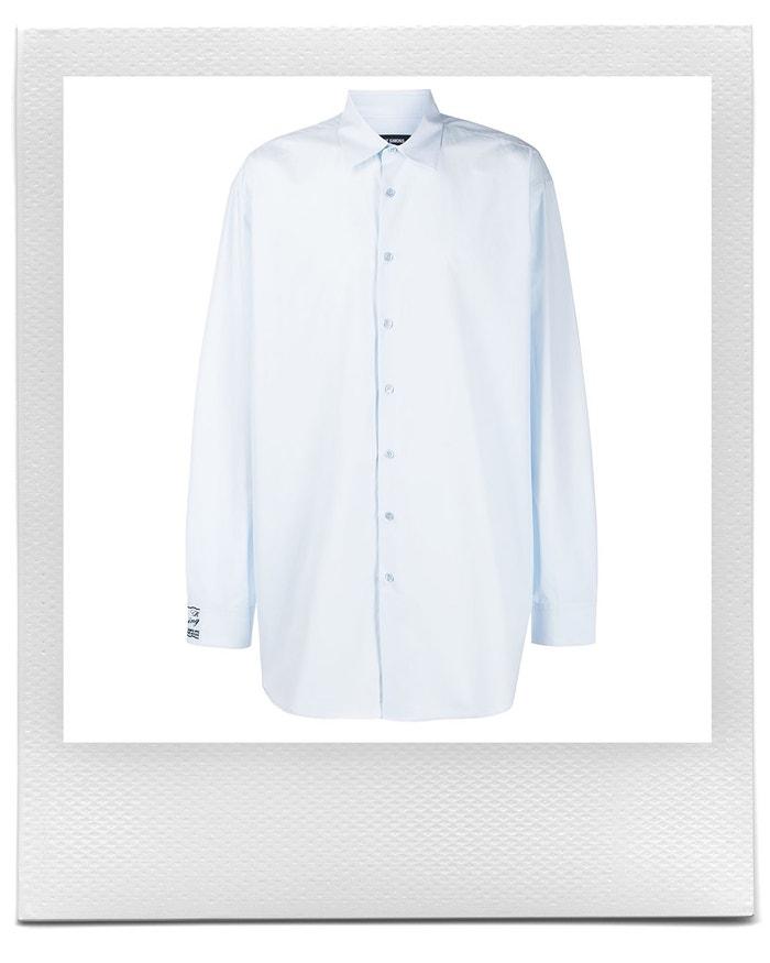 Oversize modrá košile, Raf Simons, prodává Farfetch, 473 € Autor: Farfetch