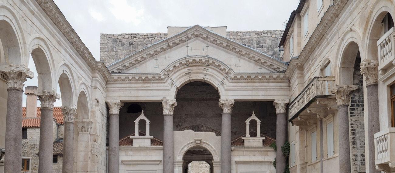 Diokleciánův palác Dioklecijanova ul. 1, Split, Chorvatsko