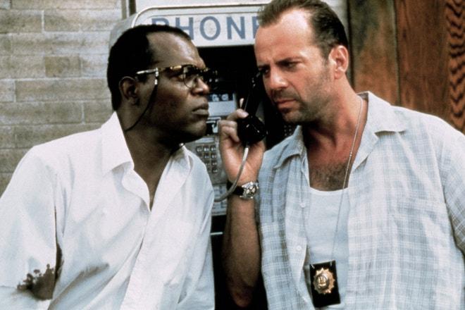 Bruce Willis a Samuel L. Jackson ve filmu Smrtonosná past 3, 1995