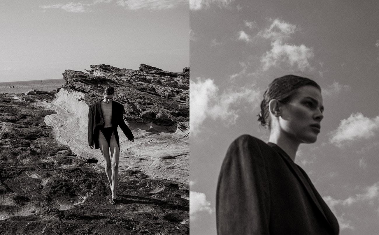 Sako, Balenciaga; body, South Beach; boty na podpatku, Stuart Weitzman.