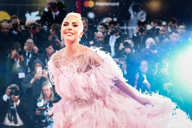 Lady Gaga v šatech Valentino