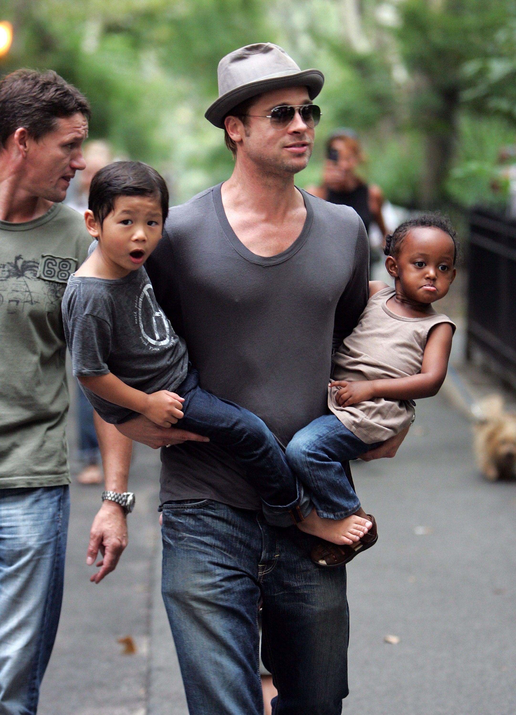 Brad Pitt s Maddoxem a Zaharou Autor: Getty Images