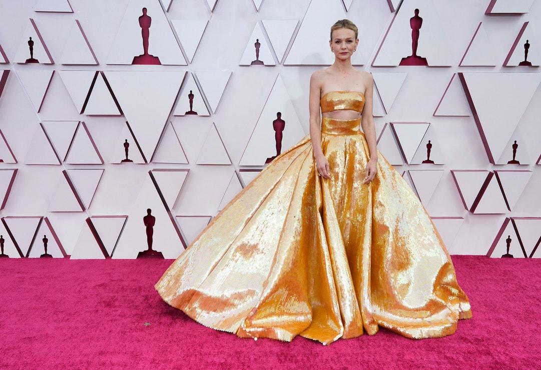 Carey Mulligan v šatech Valentino Haute Couture