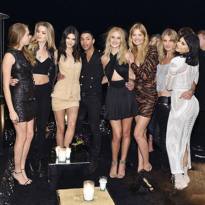 Kylie Jenner a Kendall Jenner s Olivierem Rousteingem, říjen 2015          Autor: Stefanie Keenan/Getty Images for Beats by Dre