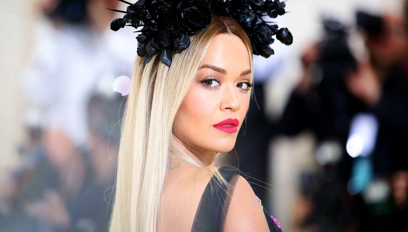 Vlasový chameleon Rita Ora