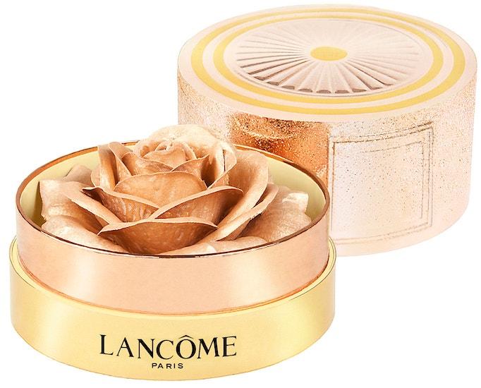 Rozjasňující pudr La Rose A Poudrer Highlighter, Lancôme (prodává Lancôme Beauty Institute), 1890 Kč
