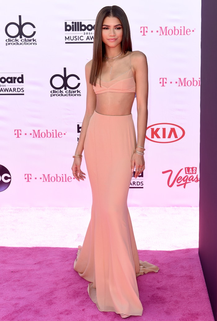 Květen 2016 a Billboard Music Awards. Zendaya v růžovém kompletu od Calvina Kleina. Autor: Getty Images