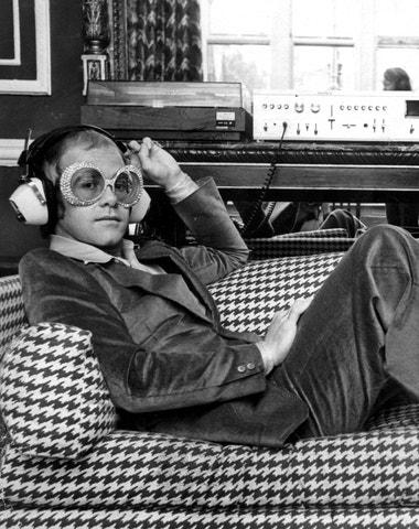 Jak zní móda: 10 podcastů, které se vyplatí poslouchat