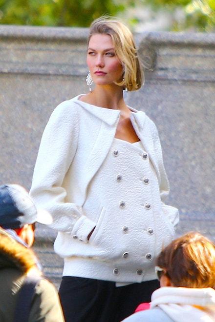 Karlie Kloss při focení pro Vogue