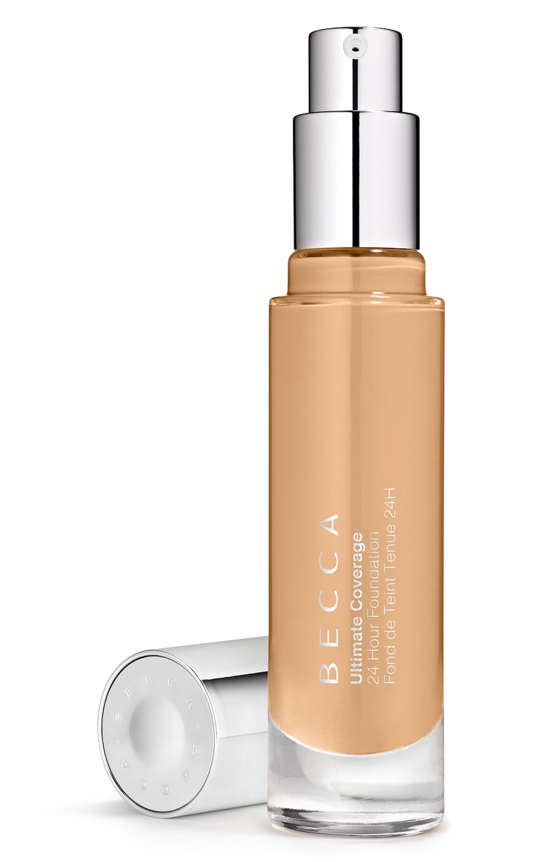 Krycí make-up Ultimate Coverage, Becca (prodává Sephora), 1050 Kč