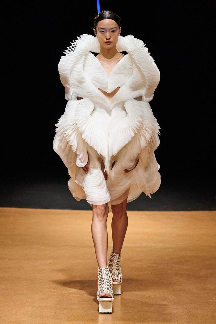 Iris Van Herpen Haute Couture S/S 20 Autor: GoRunway.com